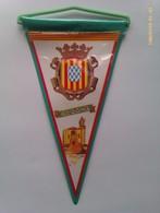 Banderín De Gerona. Cataluña. España. Años '60-'70 - Escudos En Tela