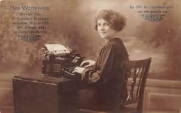 """METIER  DACTYLOGRAPHIE  MISS WOODWARD PREMIER PRIX CONCOURS DE VITESSE 1921-22  PUBLICITE MACHINE A ECRIRE """"ROYAL"""" - Métiers"""