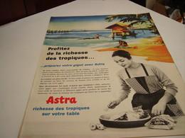 ANCIENNE AFFICHE PUBLICITE  MARGARINE ASTRA RICHESSE DES TROPIQUES SUR VOTRE TABLE 1959 - Posters