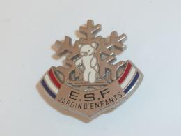 BROCHE E.S.F., NOUNOURS JARDIN D ENFANTS - Winter Sports