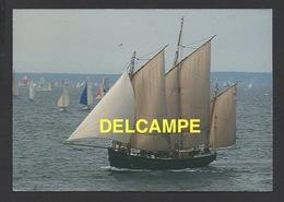 DF / BATEAUX / VOILIERS / UN LOUGRE SOUS VOILES - Sailing Vessels