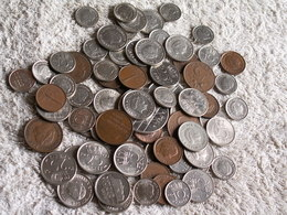 PLUS DE 70 MONNAIES Des PAYS BAS  - 180 GRAMMES  - Années Variées - Coins & Banknotes
