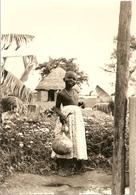 Cpsm Soeurs De Nd Des Apotres Vénissieux Sama Fillette Banana Vous Sourit - Benin