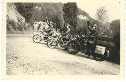 Superbe Photo GROUPE MOTOCYCLISTES - Moto - Dimensions 9 / 6 Cm - Motor Bikes