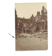Photo ( +/- 7,5 X 10,5 Cm) Sur Papier Souple - LEUVEN / LOUVAIN, Rue De Diest, Eglise St-Pierre +/- 1920 - Guerre 14/18 - Guerre, Militaire