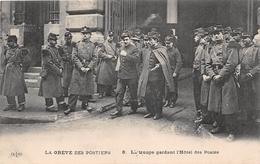 ¤¤    -   PARIS   -  La Troupe Gardant L'Hôtel Des Postes  -  La Grève Des Postiers  -  Politique     -   ¤¤ - District 01