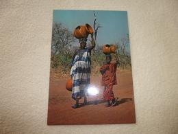 AFRIQUE EN COULEURS ......EN ROUTE POUR LE MARCHE. - Postcards