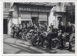 MOTOS - Photo Non Localisée D' Une Concentration De Motocyclistes - Immatriculation : 223 AD 30 - 648 AH 30  (105054) - Photos