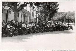 MOTOS - Photo Non Localisée D' Une Concentration De Motocyclistes   (105056) - Photos