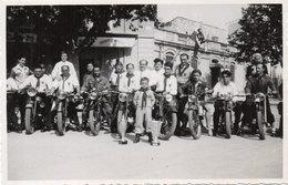 MOTOS - Photo Non Localisée D' Une Concentration De Motocyclistes   (105058) - Photos