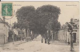 D72 - LE LUDE - BOULEVARD FISSON - (TABAC - CHEVAL SUR LE TROTTOIR DE GAUCHE) - France