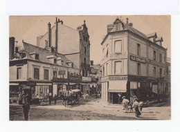 Trouville Sur Mer. La Rue Des Bains. Place Tivoli. Devanture De Magasins. Fiacre. (2705) - Trouville