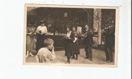 PARIS EN FLANANT SERIE 1 N° 10 LES CHANTEURS DE RUE . SINGING MAN IN STREET - Petits Métiers à Paris