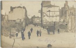 59) LILLE : Carte-Photo Allemande - Animée - Rue De Bethune Destructions - Lille