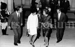 Postcard / ROYALTY / Belgique / België / Koningin Fabiola / Reine Fabiola / Les Astronautes Au Palais / 1969 - Célébrités