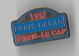 Vends   Pin's Paris DAKAR Paris Le Cap 1992 - Car Racing - F1