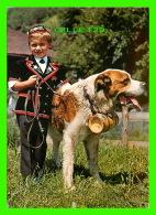 CHIENS - DOGS - SAINT-BERNARD - EN SUISSE AVEC SON AMI - - Chiens