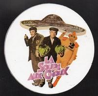 LA SOUPE AUX CHOUX LOUIS DE FUNES JEAN CARMET JACQUES VILLERET * FILM CINEMA * -  AUTOCOLLANT N°146 - Stickers