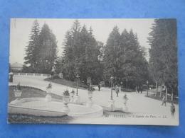 88-VITTEL L'entrée Du Parc , écrite Au Verso Et Circulée En 1911 , Dos Vert , 2 Scans - Vittel Contrexeville