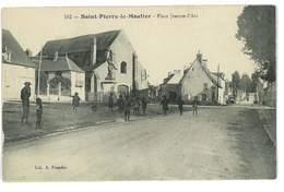 CPA 58 SAINT-PIERRE-LE-MOUTIER PLACE JEANNE D'ARC - Saint Pierre Le Moutier