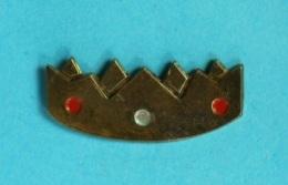 1 PIN'S //   ** COURONNE / GALETTE DES ROIS ** .  (Tirage Limite) - Noël