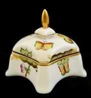 Herendi Viktória Mintás Porcelán Bonbonier, Kézzel Festett, Jelzett, Kis Kopásnyomokkal, 8x7x7 Cm - Ceramics & Pottery