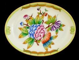 Herendi Viktória Mintás Kis Tálka, Kézzel Festett, Jelzett, Apró Kopásokkal, 8×6×1,5 Cm - Ceramics & Pottery