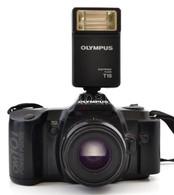 Olympus OM 101 Filmes SLR Fényképez?gép, AF 50mm F/1.8 Objektívvel +Olympus Electronic Flash T18 Vaku, Elemekkel, M?köd? - Cameras