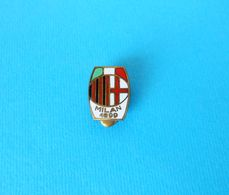AC MILAN - Italy Football Soccer Club Old Enamel Buttonhole Pin Badge Fussball Futbol Calcio Distintivo Italia Spilla - Football
