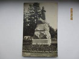 ESTONIA PÄRNU MONUMENT TO FEMALE WRITER POET KOIDULA  , OLD POSTCARD   , O - Monuments