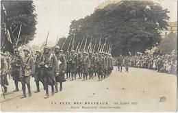 Paris - La Fête Des Drapeaux (14 Juillet 1917) - Défilé Boulevard Saint-Germain (Carte Photo) - Autres