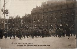 Paris - Fête De La Victoire - Drapeaux Des Régiments Ayant La Fourragère Rouge (Carte Photo) - Autres