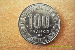 Monnaie De 100 Francs Du Cameroun Dde 1975 En Etat SUP - Cameroon