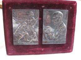 2 Médailles Sur Son Support 1901 Et 1905 Attribué Par Camille CRENIER - France