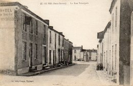 79 DEUX SEVRES - LE PIN La Rue Principale - France