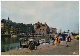 14 HONFLEUR - Edts Lumicap - Le Bassin Vers La Lieutenance, Dans Le Fond : Le Clocher De L'Eglise Sainte Catherine. - Honfleur