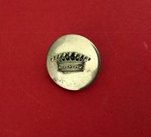 Ancien Bouton COURONNE COMTALE En Métal Argenté Pour Collection Ou Utilisation - Boutons