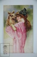 Original Illustrated Postcard Young Lady Holding Dog - Illustrator Santino - Year 1920 - Ilustradores & Fotógrafos