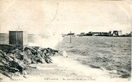 N°61470 -cpa Port Louis -mer Déferlant Sur La Cale Du Lohic- - Port Louis