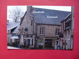Ravenoville  -  Le Bourg  - Les Epiceries - France