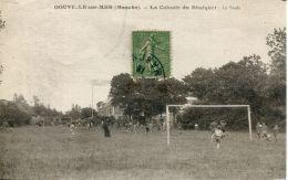 N°61498 -cpa Gouville Sur Mer -la Colonie Du Sénéquet- Le Stade- RARE- - Sonstige Gemeinden