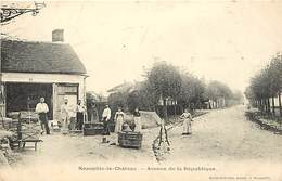 - Yvelines -ref-B637- Neauphle Le Chateau - Avenue De La Republique - Carte Bon Etat - - Neauphle Le Chateau