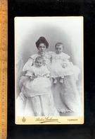 Photographie Cabinet : Woman & 2 Babies  / Photographe Atelier LOCHMAN Fotograf TURNOV TURNAU CZ Czech Republic - Foto