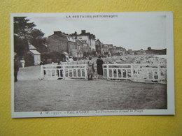 PLENEUF VAL ANDRE. La Promenade De La Plage. - Pléneuf-Val-André