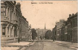 5THX 833 CPA - AMIENS - LA RUE SAINT FUSCIEN - Amiens