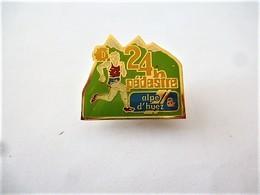 PINS SPORTS 24h PEDESTRE ALPE D'UEZ / COURSE A PIEDS / 33NAT - Athletics