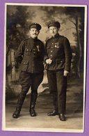Militaria Militaire Carte Postale Photo De Soldats - Cornée En Bas A Droite - Personnages