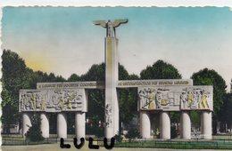 DEPT 02 ; édit. La Cigogne N° 574 : Soissons Monument Des Régions Libérées - Soissons