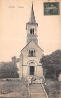 58 - Arthel - L'Eglise - Une Belle Pose Sur Les Escaliers - Autres Communes