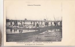 SUR LE FLEUVE. CONVOIS DE RIZ SE DIRIGEANT SUR TOMBOUCTOU - Mali